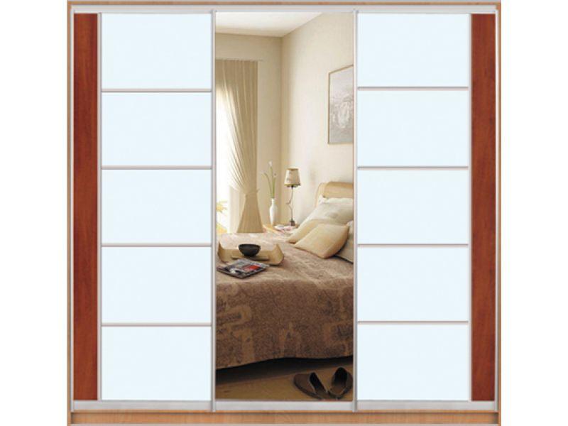 Шкафы-купе с фасадами из зеркал и комбинированными фасадами .